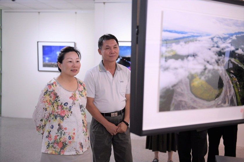 山前日先照-邱福興攝影展展至830 徐榛蔚肯定其對攝影的堅持與美學3.jpg